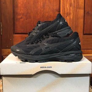 Asics Sneakers NEW! w/ Box